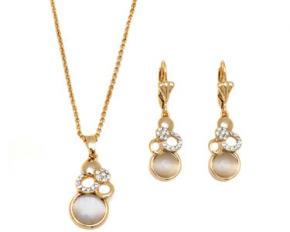 Sevil Designs Gold and Crystal Triple Ring Pendant Necklace and Earrings Set