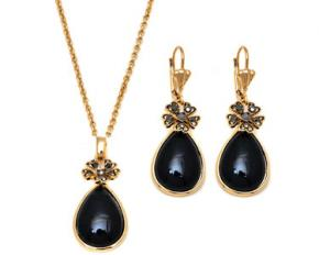 Sevil Designs Gold and Black Crystal Flower and Teardrop Pendant & Earrings Set